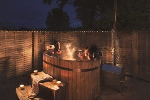Old Oaks shepherd hut with wood-fired hot tub