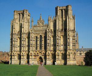 Wells-Cathedral-glastonbury-old-oaks-holidays