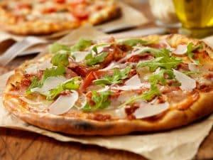 old-oaks-takeaway-wood-fired-pizza